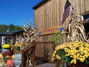 Americana Vineyards & Crystal Lake Cafe