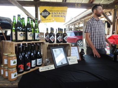 Black Diamond Cider Display